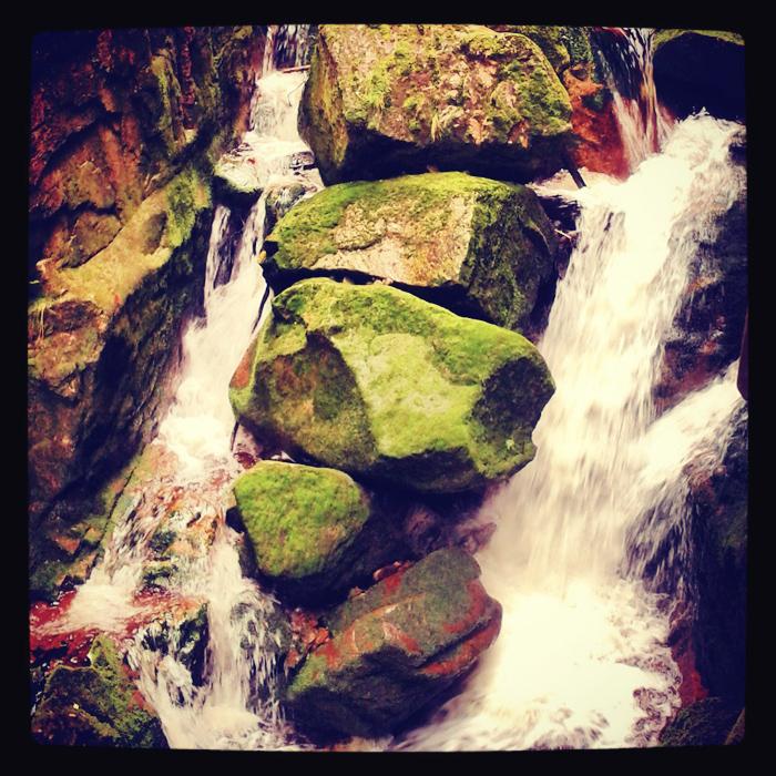 Potoki, strumienie, skały