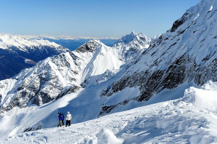 Narty, góry, zima, śnieg...