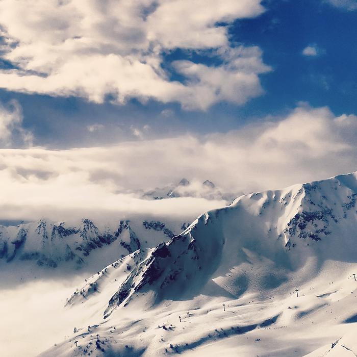Contrabbandieri, Adamello Ski