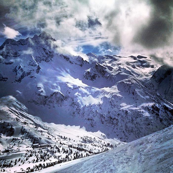 Alpejskie zimowe widoki