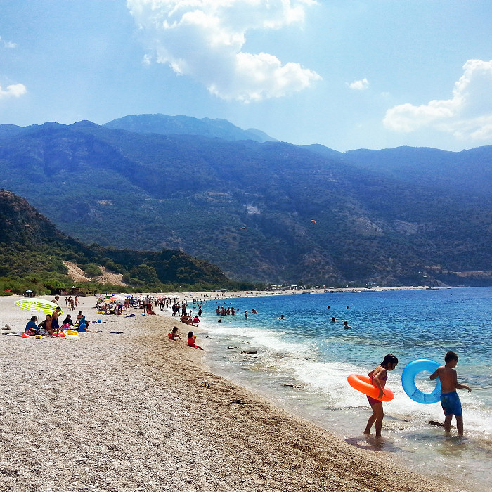 Plaża w Oludeniz i góra Babadag