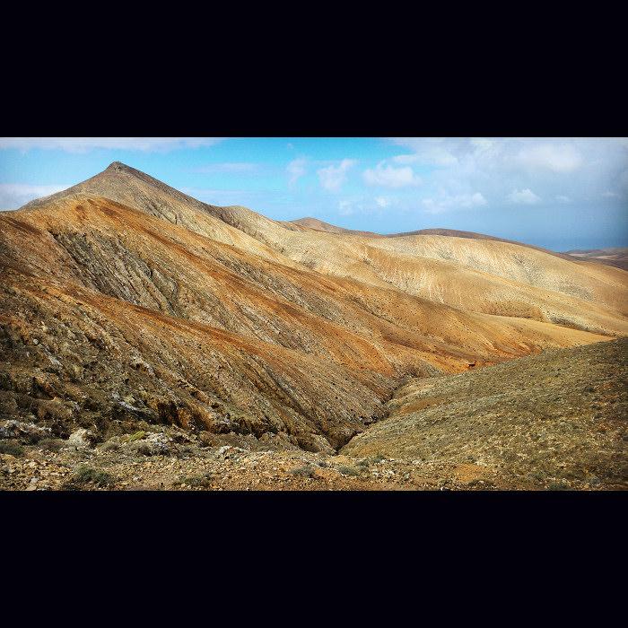 Surowe kanaryjskie krajobrazy