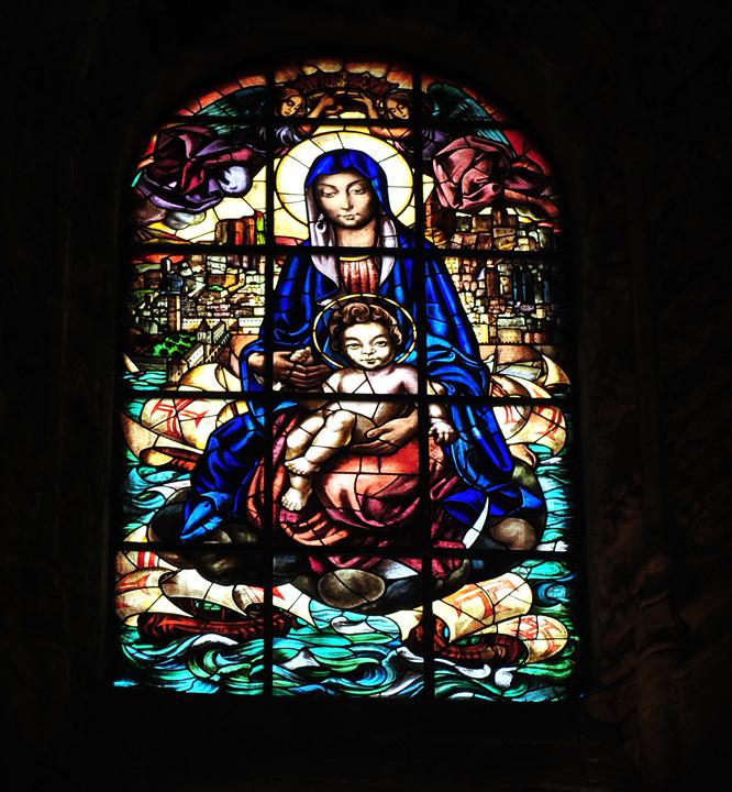 Witraż - Chrystus, Matka Boska i odkrywcy