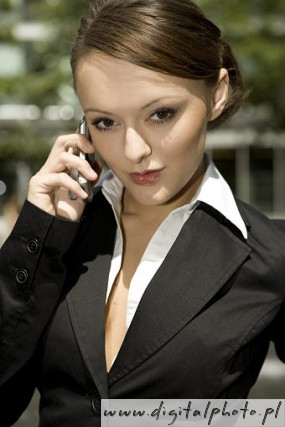 Fotos Mulher Falando Ao Celular No Trabalho Picture